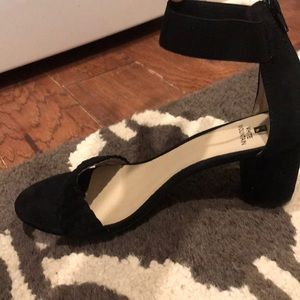 Black heels (worn once)